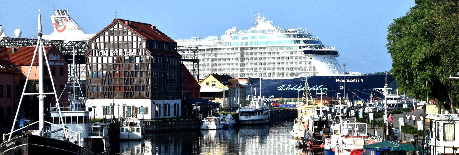 Kreuzfahrtschiff in Riga